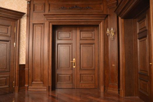preimushhestva-derevjannyh-dverej